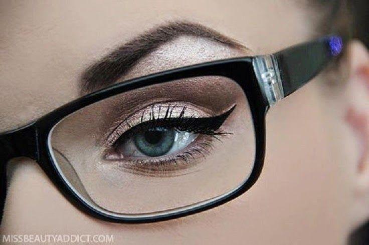 Maquiagem de festa para quem usa óculos de grau