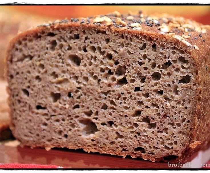 Rezept Glutenfreies Bauernbrot mit Traubenkernmehl von brotbackliebeundmehr - Rezept der Kategorie Brot & Brötchen