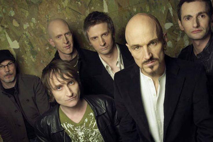 James, la banda originaria de Manchester, Inglaterra, regresa a los escenarios como parte de su gira.