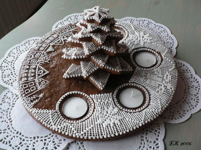 Beautiful Cookie Christmas Tree Advent Wreath (Czech), no recipe, just pretty
