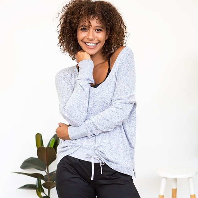 Keep it comfy (and cool) in this super soft new arrival! Ladies... you #NEED to try our Darcy L/Slv Top - we know you'll thank us for it later #lornajaneus #thisisactiveliving #lornajane #movenourishbelieve #activeliving