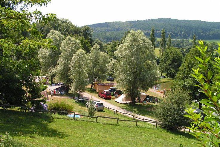 Camping Sites & Paysages Etang de la Fougeraie - Morvan - Saint-Léger-de-Fougeret (CC) - 4*, 60 plaatsen, zwembad, zwemmeertje waarin je ook mag vissen, mooi in het groen - beetje afgelegen