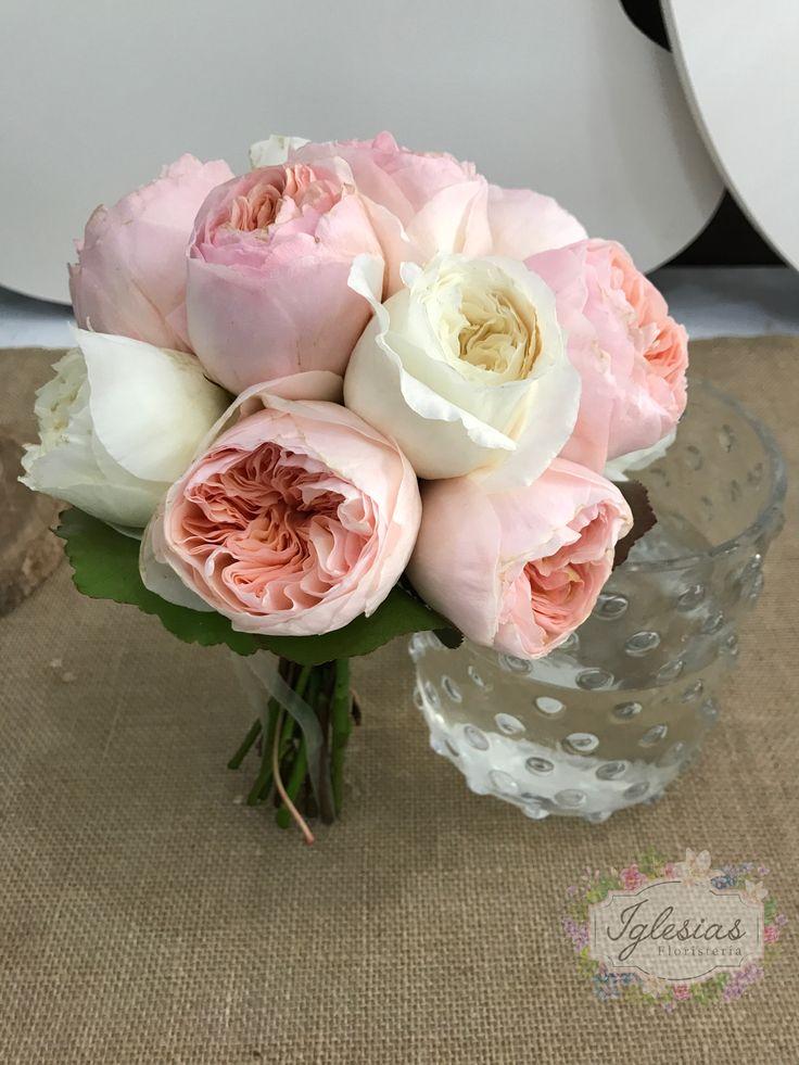Ramo de novia con rosa de jardín 😍😍😍 #ramosdenovia #boda #decoracion #ramosqueenamoran #novias2017 #bodas2017 #iglesiasfloristeria