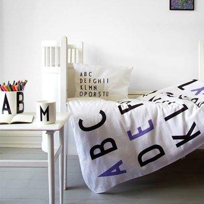 Design Letters Sengetøj Lilla. Cute bedding.