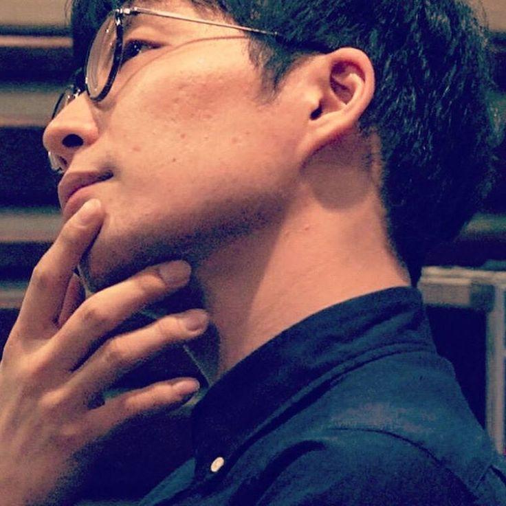 "ถูกใจ 16 คน, ความคิดเห็น 12 รายการ - aki (@akngen128) บน Instagram: ""* * おはようございます☀ * この真剣な表情からの この笑顔…反則じゃないですか? しかも眼鏡好き×手フェチには たまりません笑 * 昨日のもみ源もそうだけど コマ送りみたいな…"""