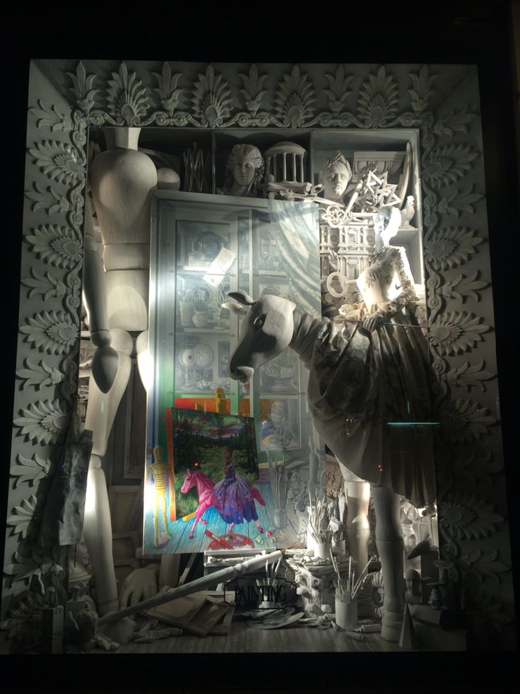 Berdgorf goodman Xmas windows on 5th Ave are my favorite ❤️❤️❤️