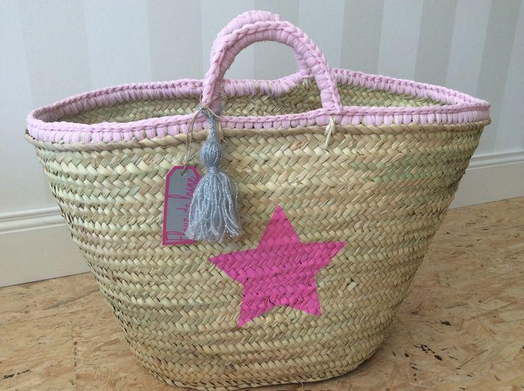 Grand panier en paille à anses en tulle rose et étoiles fuchsias : Sacs à main par fleur-de-laine