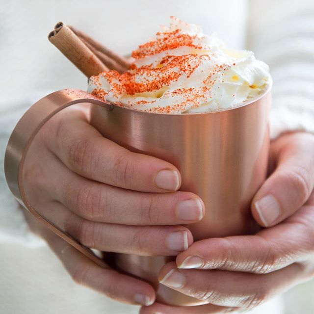 Evening plans: curling up with this dairy-free Mexican hot chocolate and (finally) watching the Westworld season finale  (Link in profile if you wanna sip this delicious concoction along with me)