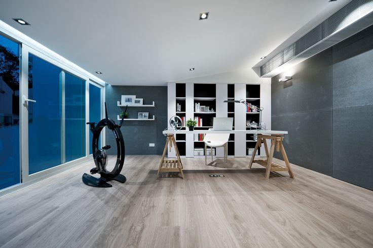 Gabinet z przyrządem fitness https://www.homify.pl/katalogi-inspiracji/9640/homify-360-ekskluzywna-willa-z-ferrari-w-salonie