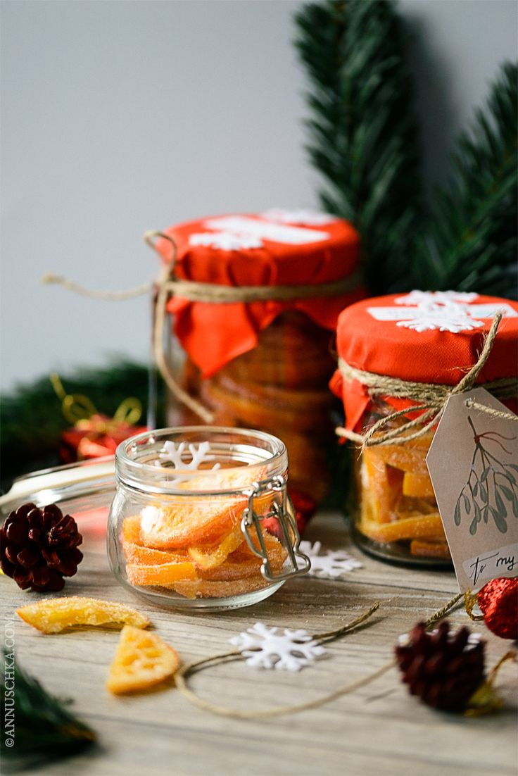 DIY Christmas gifts project: Candied Orange Rounds In Sugar Coat - the most cheerful gift which smells like Christmas and winter time! Get recipe on the blog annuschka.com