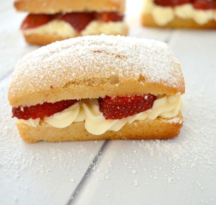 Strawberry and Cream Cakes 3