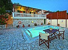 Villa Martha, Gaios, Paxos Sleeps 4 to 7 people Private pool Paxos villa with private pool, stunning sea views, in Gaios, close to tavernas and beaches, Barbeque, Car not essential. - See more at: http://www.agnitravel.com/travel/Paxos