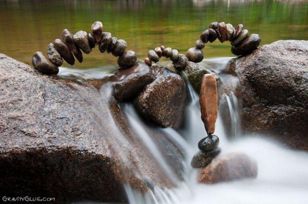 escultura de pedras empilhadas 18