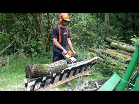 cool idea.. Just how fast the Truncator chainsaw saw horse is - YouTube