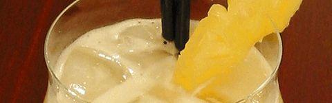 Piña Coloda, der betyder strained pineapple, er en klassisk after-dinner drink, og består af rom, kokosmælk og ananasjuice.