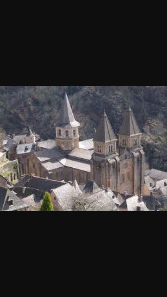 Conques Sainte-Foy, XI-XII secolo.Stile romanico.Sainte-Foy, Francia.