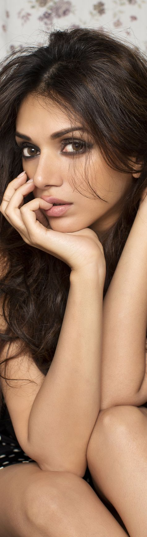 € m i s s x {the girl every girl hates yet wishes to be❤️} Aditi Rao Hydari