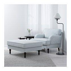 IKEA - STOCKSUND, Fauteuil, Remvallen bleu/blanc, noir, , Fauteuil très large et profond pour une meilleure détente.Offre un confort et un soutien optimum car le coussin épais possède un noyau en ressorts ensachés ainsi qu'une couche supérieure en mousse et fibres polyester.Le noyau de ressorts ensachés est solide et conserve longtemps sa forme et son confort.La housse est facile à entretenir car elle est amovible et lavable en machine.Garantie 10 ans. Détails des conditions dans le livret…