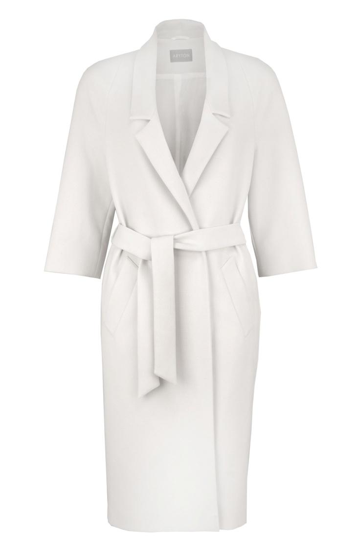 Aryton biały płaszcz z paskiem/ Coat with a belt