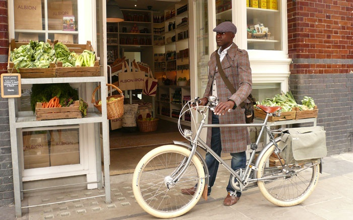 classic style Cycle Chic | Shared from http://hikebike.net