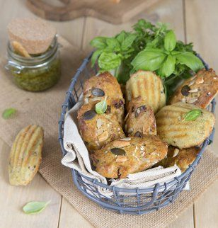 Madeleines au pesto / Pesto madeleines
