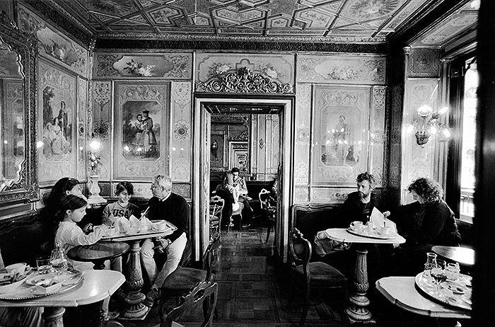 Photo by Gianni Berengo Gardin   Caffè #Florian a #Venezia San Marco - Florian #cafè in #Venice Saint Mark #travel #travelinspiration  #italy #italia #veneto #instaitalia #italianalluretravel #lonelyplanetitalia #lonelyplanet