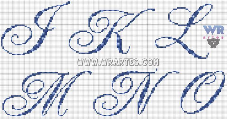 Imagem de http://3.bp.blogspot.com/-psm57yFjTSQ/VKxDjOHQfMI/AAAAAAAAb3w/vRDwQ2zQEIE/s1600/alfabeto%2Brequintado%2Belegante%2Bletra%2Bcursiva%2Bponto%2Bcruz%2Blinda%2Bwagner%2Breis%2Bwr%2Bartes%2B(2).png.