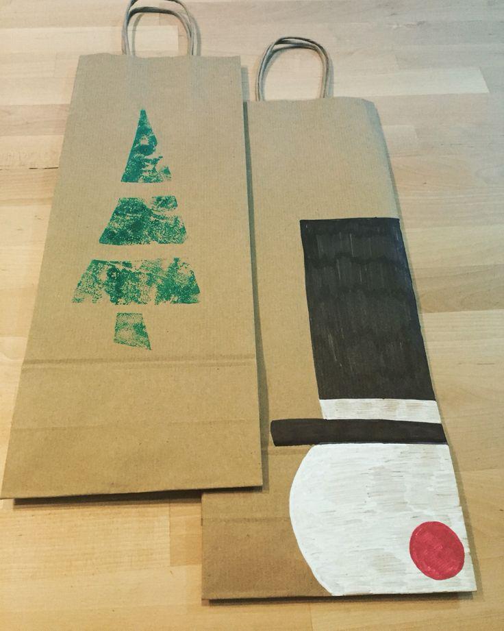 Portabottiglie carta regali Natale fai da te