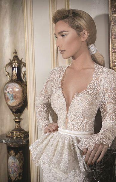 Свадебные платья Daniel Romi Kadosh из кружева с разрезом на юбке | смотреть фото цены купить