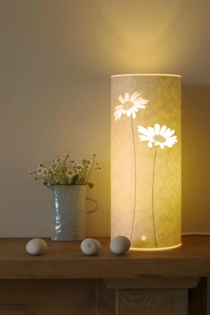 small daisy table lamp