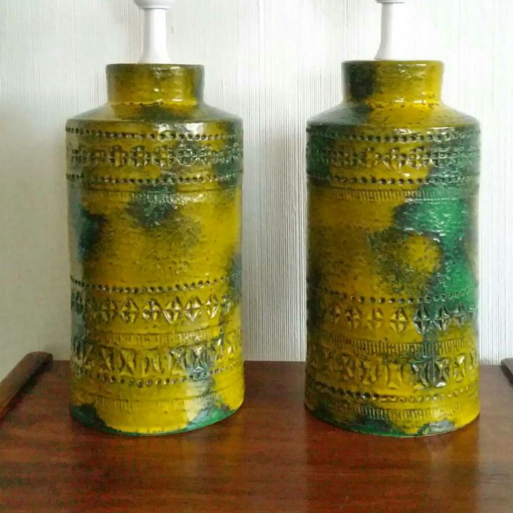 Pair of Modern lamp base Rimini by Bitossi pottery. Midcentury Italy. Sunset glaze yellow - green.