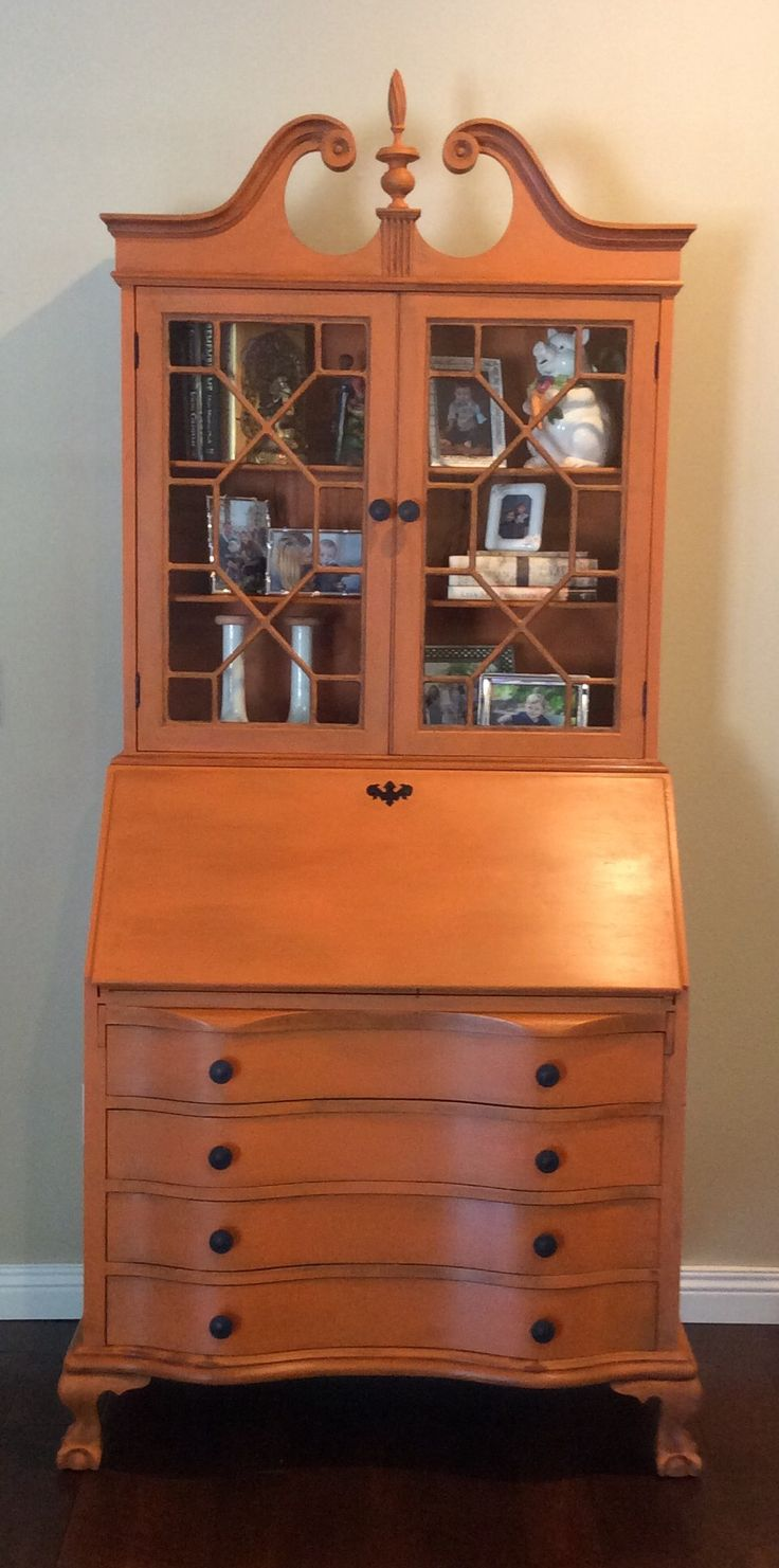 Annie Sloan Barcelona Orange Chalk Paint With Dark Wax