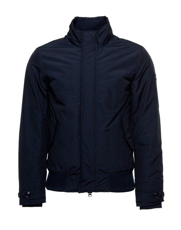 Koop Jas - Travel Bomber Dark Blue Online op maddoxjeans.nl voor slechts € 359,95. Vind 26 andere Woolrich producten op maddoxjeans.nl.