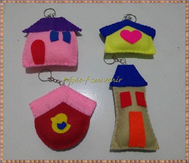 gantungan rumah