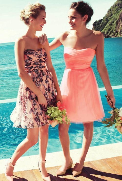 リゾートウェディングには海のブルーに生える色がおすすめ!結婚式で真似したいお呼ばれコーデ♪
