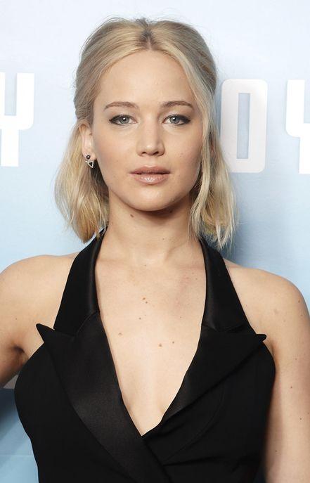 25 coiffures de Jennifer Lawrence qui envoient du lourd