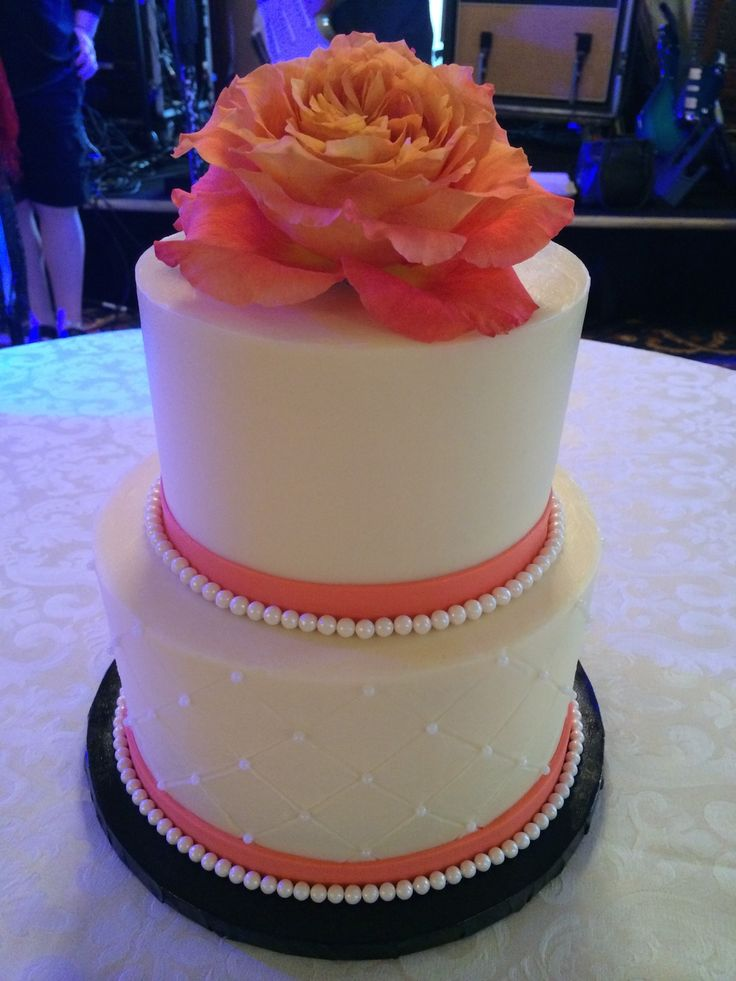 27 best wedding cakes images on pinterest cake wedding cake cookies and nashville wedding. Black Bedroom Furniture Sets. Home Design Ideas