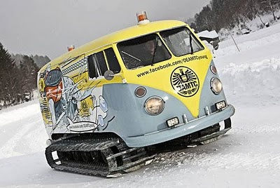 snow ready! i would def invest in one of these: Buses, Vdub, Cars, Snow, Vw Bus, Volkswagen Bus, Ws, Vwbus, Vw Vans