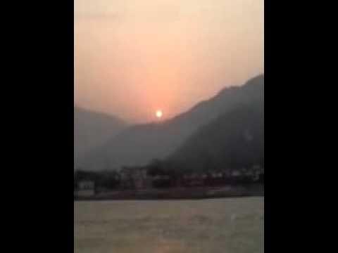 Make My Trip: Rishikesh Sunrise