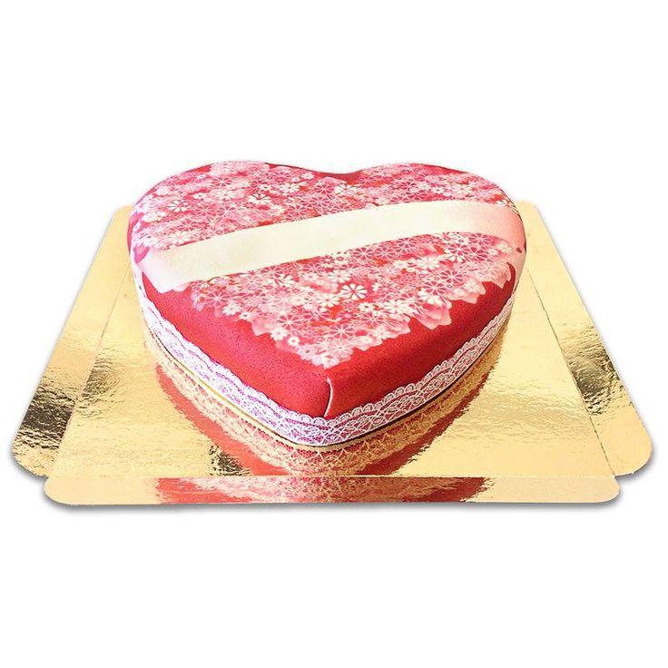 Diese Herztorte ist ein schönes Geschenk für die Freundin oder für einen Heiratsantrag. Auch zum Valentinstag können Sie da nichts falsch machen. Eine Liebesbotschaft als süßes Geschenk.