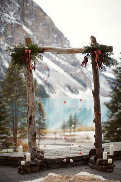26 Winter Wedding Arches And Altars To Get Inspired | HappyWedd.com