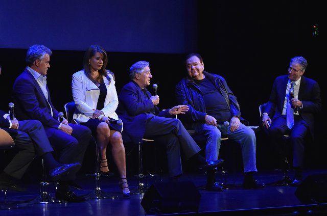 Robert De Niro, Ray Liotta, Paul Sorvino, Lorraine Bracco, and Jon Stewart at Goodfellas (1990)