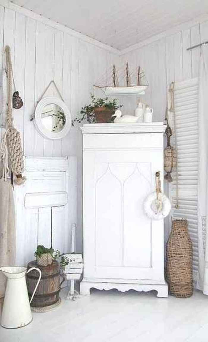 Letrero Baño Vintage:White and Shabby Chic Cottage Decor Pinterest