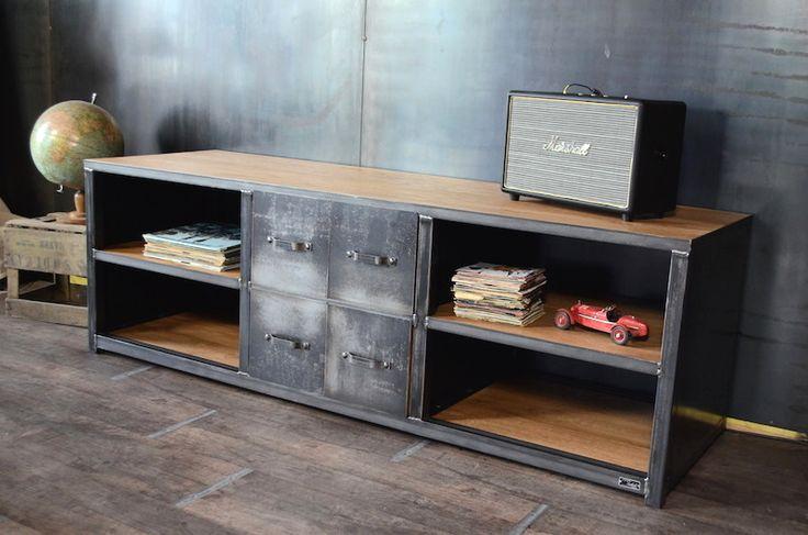 Meuble tv bois métal de style industriel. Réalisation sur mesure - www.michelidesign.fr