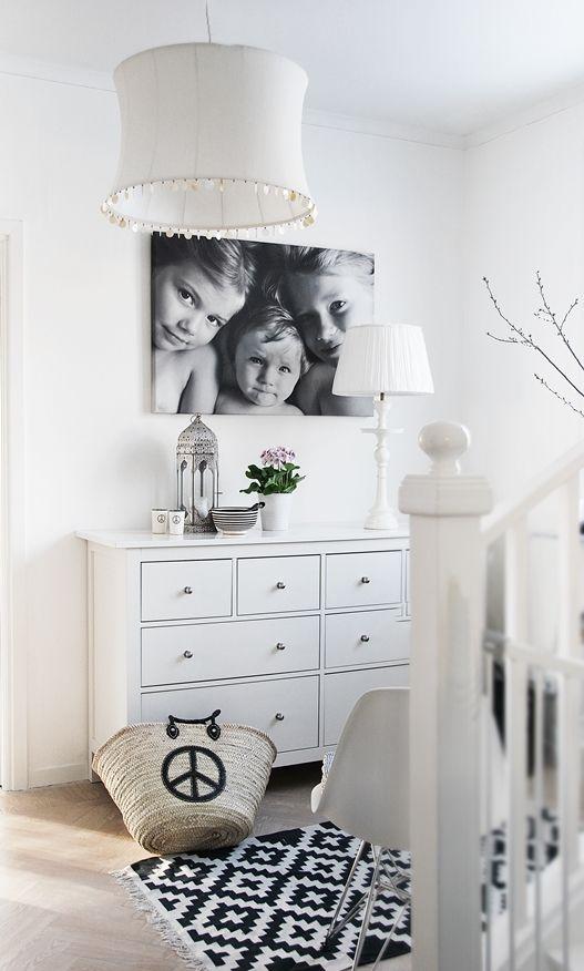 Practise minimalism. I love the lamp!
