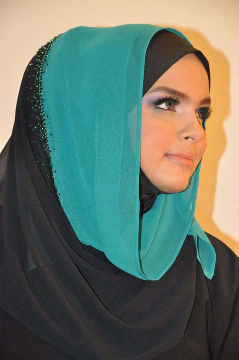 http://abayatrade.com muslim fashion magazine hooded