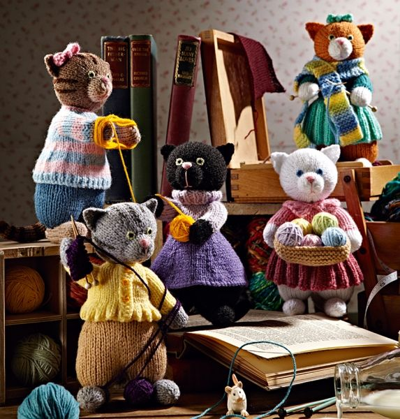 the most amazing web site for knitted toys ... here is alan dart's collection of knitted kittens.