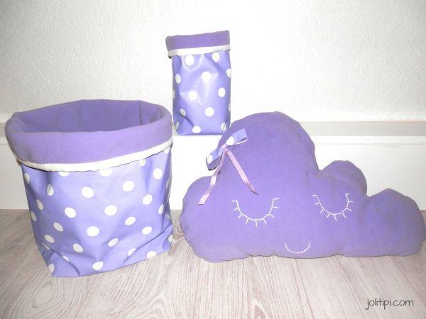 cadeaux de naissance faits-main, déco de chambre d'enfant parme violet