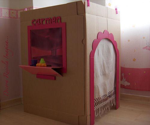 casita-de-carton-1  Cardboard box playhouse - Spanish blog - it would be fun to have an interpreter