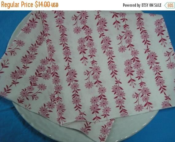 CLEARANCE SALE Cloth Napkins Pink Mauve Floral Lunch Dinner